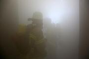 Mannheim. 12.06.17 | Freiwillige Feuerwehr übt <br /> Neckarau. Freiwillige Feuerwehr übt Rettungseinsatz in verwinkelten Gebäuden. Dazu hat das Lager Prime Selfstorage das Gebäude zur Verfügung gestellt. Übung der Freiwilligen Feierwehr <br /> <br /> <br /> BILD- ID 1080 |<br /> Bild: Markus Prosswitz 12JUN17 / masterpress (Bild ist honorarpflichtig - No Model Release!)