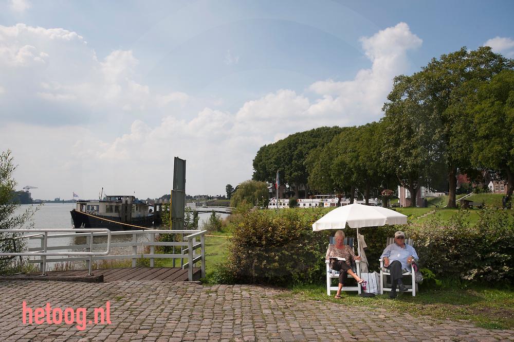 The Netherlands, Nederland 19aug2015 Aan de oever van de Lek in Schoonhoven