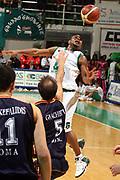 DESCRIZIONE : Siena Lega A1 2006-07 Montepaschi Siena Lottomatica Virtus Roma <br /> GIOCATORE : Mc Intyre <br /> SQUADRA : Montepaschi Siena <br /> EVENTO : Campionato Lega A1 2006-2007 <br /> GARA : Montepaschi Siena Lottomatica Virtus Roma <br /> DATA : 05/11/2006 <br /> CATEGORIA : Curiosita <br /> SPORT : Pallacanestro <br /> AUTORE : Agenzia Ciamillo-Castoria/G.Ciamillo