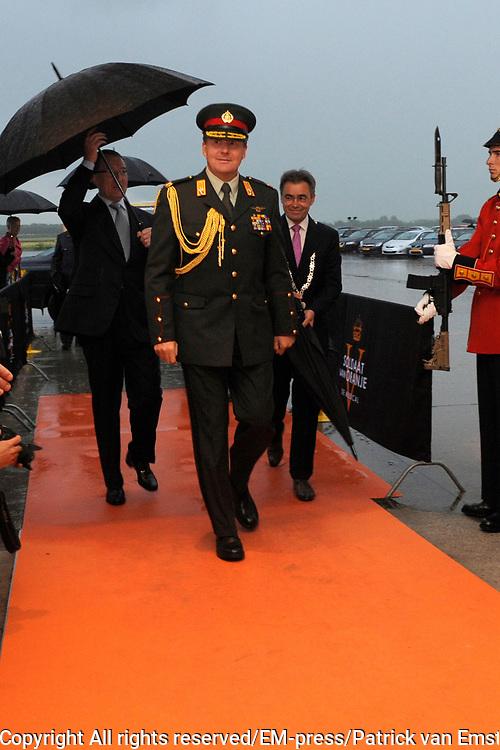 Kroonprins en gewondgeraakte militairen naar Soldaat van