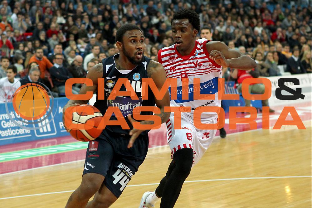 04-01-16 Pesaro<br /> Basket - Consultinvest VL Pesaro vs Manital Torino<br /> Miller palleggio<br /> Photo Fabrizio Petrangeli/CIAMILLO