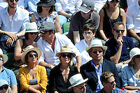 Jean DUJARDIN avec son amie NATHALIE PECHALAT et son fils / Elie SEMOUN  - 07.06.2015 - Jour 15 - Finale   - Roland Garros 2015<br /> Photo : Nolwenn Le Gouic / Icon Sport