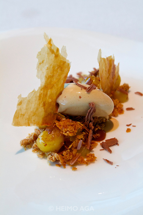 Singapore. Marina Bay Sands. SANTI restaurant combines Mediterranean culture with the authentic taste of the Catalan region in Spain..Pastis de Poma amb Gelat de Carmel I Canyella (Apple tart with caramel and cinnamon ice cream)