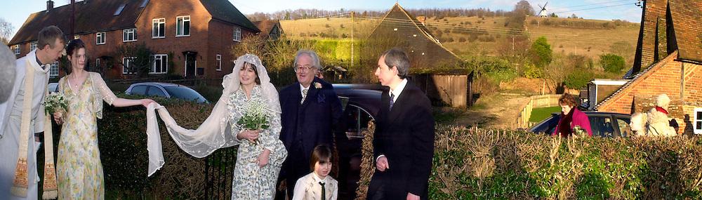 Marriage  of Emily Mortimer, ( daughter of John Mortimer )  to Alessandro Nivola, Turville.  © Copyright Photograph by Dafydd Jones 66 Stockwell Park Rd. London SW9 0DA Tel 020 7733 0108 www.dafjones.com