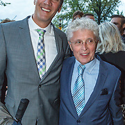 NLD/Amsterdam/20150914 -Jubileumvoorstelling Paul van Vliet 80 Jaar, Jacques d' Ancona en partner Hans Langhout