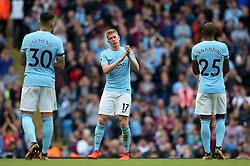 Kevin De Bruyne of Manchester City thanks the fans - Mandatory by-line: Matt McNulty/JMP - 14/10/2017 - FOOTBALL - Etihad Stadium - Manchester, England - Manchester City v Stoke City - Premier League