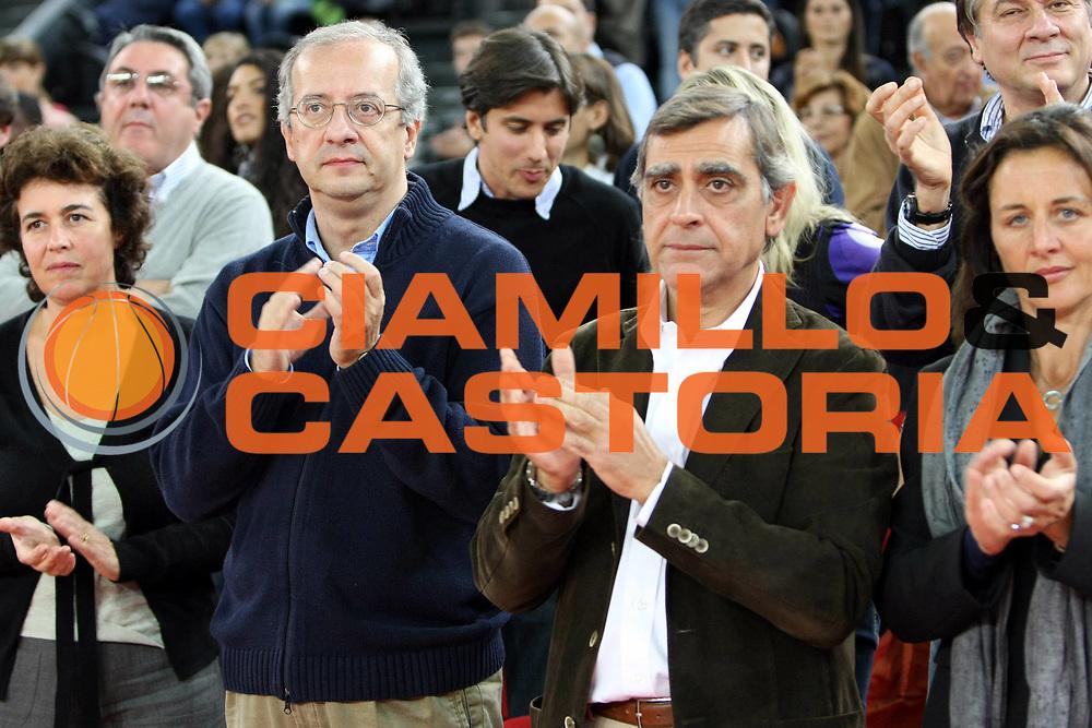 DESCRIZIONE : Roma Lega A1 2008-09 Lottomatica Virtus Roma Bancatercas Teramo<br /> GIOCATORE : Walter Veltroni Toti<br /> SQUADRA : Lottomatica Virtus Roma<br /> EVENTO : Campionato Lega A1 2008-2009 <br /> GARA : Lottomatica Virtus Roma Bancatercas Teramo<br /> DATA : 02/11/2008 <br /> CATEGORIA : Vip<br /> SPORT : Pallacanestro <br /> AUTORE : Agenzia Ciamillo-Castoria/C.De Massis