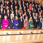 NLD/Amsterdam/20161129 - Staatsbezoek dag 2, contraprestatie Belgische koningspaar, Koninklijke familie en Koning Filip en Koningin Mathilde