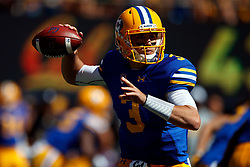 BERKELEY, CA - SEPTEMBER 23:  Quarterback Ross Bowers #3 of the California Golden Bears passes against the USC Trojans during the first quarter at California Memorial Stadium on September 23, 2017 in Berkeley, California. (Photo by Jason O. Watson/Getty Images) *** Local Caption *** Ross Bowers