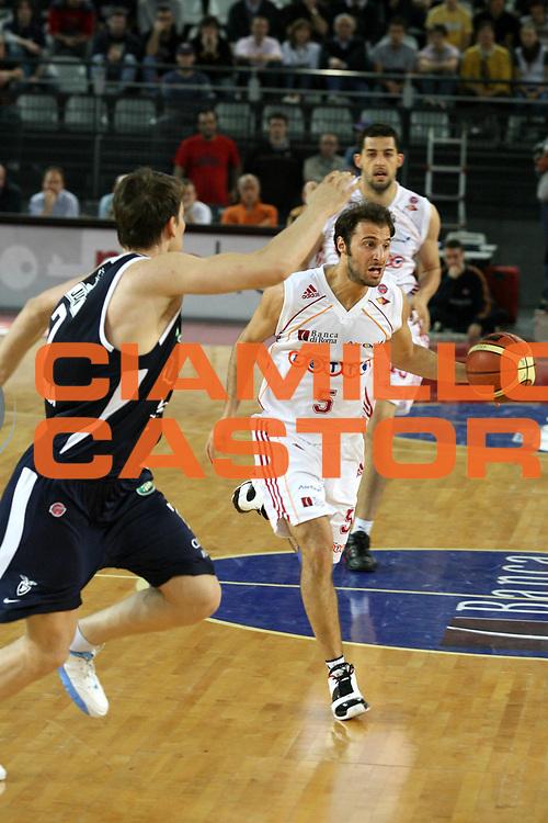 DESCRIZIONE : Roma Lega A1 2006-07 Lottomatica Virtus Roma Climamio Fortitudo Bologna <br /> GIOCATORE : Giachetti <br /> SQUADRA : Lottomatica Virtus Roma <br /> EVENTO : Campionato Lega A1 2006-2007 <br /> GARA : Lottomatica Virtus Roma Climamio Fortitudo Bologna <br /> DATA : 15/04/2007 <br /> CATEGORIA : Palleggio <br /> SPORT : Pallacanestro <br /> AUTORE : Agenzia Ciamillo-Castoria/G.Ciamillo