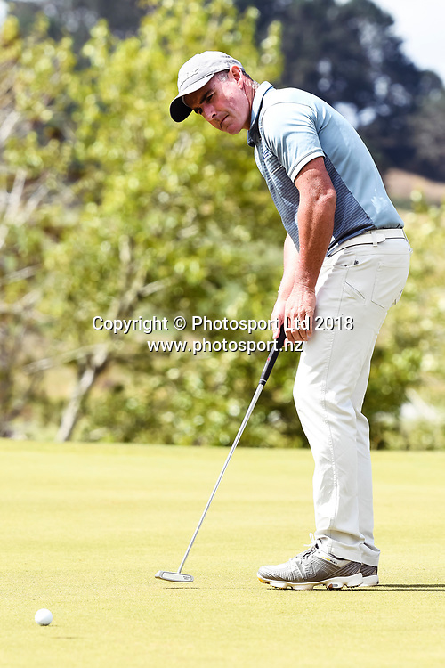 Matthew Millar (ACT) putts.<br /> NZ Rebel Sports Masters, Wainui Golf Club, Wainui, Auckland, New Zealand. 14 January 2018. &copy; Copyright Image: Marc Shannon / www.photosport.nz.