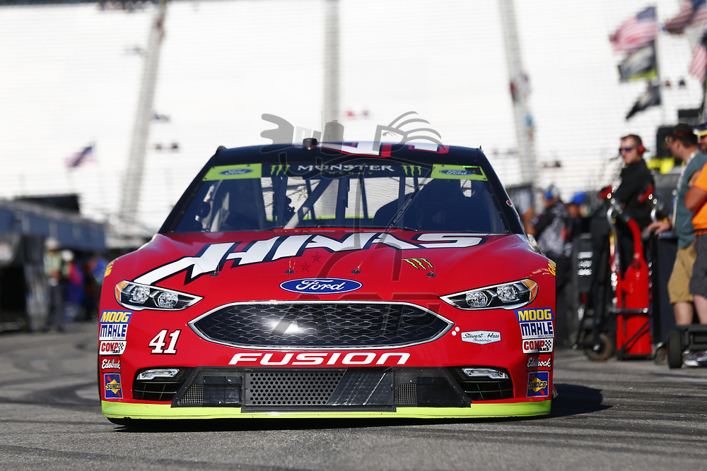 September 23, 2017 - Loudon, New Hampshire, USA: Kurt Busch (41) takes to the track to practice for the ISM Connect 300 at New Hampshire Motor Speedway in Loudon, New Hampshire.