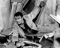 May 26, 1967 - Florida, U.S. - 5/26/1967 - Burt Reynolds on the set of ''Gentle Ben' (Credit Image: © Handout/The Palm Beach Post via ZUMA Wire)