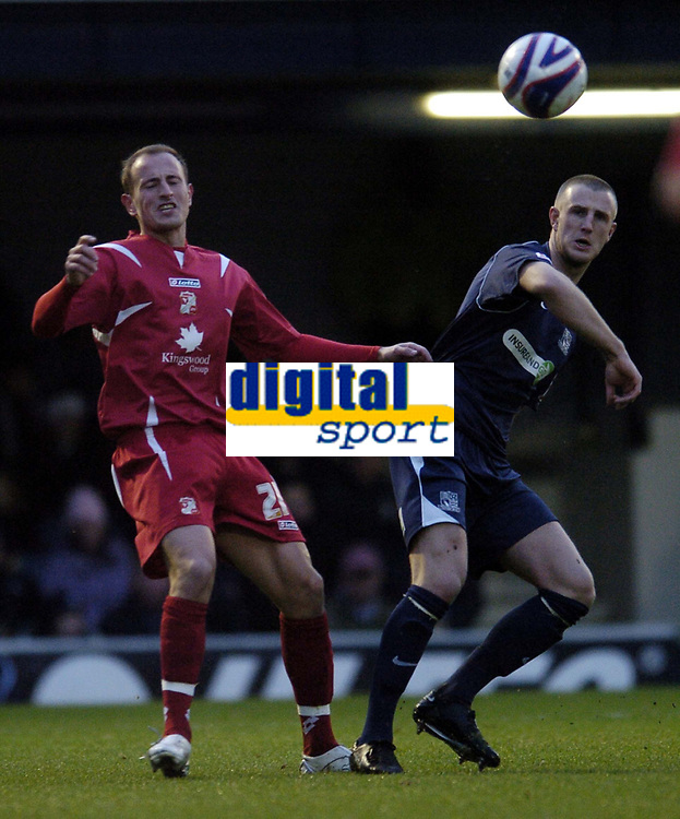 Photo: Olly Greenwood/Sportsbeat Images.<br />Southend United v Swindon Town. Coca Cola League 1. 08/12/2007. Swindon's Chris Allen and Southend's Peter Clarke