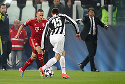 10.04.2013, Juventus Stadium, Turin, ITA, UEFA Champions League, Juventus Turin vs FC Bayern Muenchen, Viertelfinale, Rueckspiel, im Bild Zweikampf zwischen links Franck RIBERY #7 (FC Bayern Muenchen) und Andrea BARZAGLI #15 (Juventus Turin) // during the UEFA Champions League best of eight 2nd leg match between Juventus FC and FC Bayern Munich at the Juventus Stadium, Torino, Italy on 2013/04/10. EXPA Pictures © 2013, PhotoCredit: EXPA/ Eibner/ Kolbert..***** ATTENTION - OUT OF GER *****