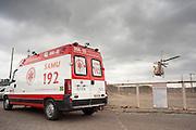 Belo Horizonte_MG, Brasil.<br /> <br /> Ambulancia saindo do Hospital Risoleta Neves em Belo Horizonte, Minas Gerais.<br /> <br /> Ambulance leaving the Risoleta Neves hospital in Belo Horizonte, Minas Gerais.<br /> <br /> Foto: FREDERICO BONATTO / NITRO