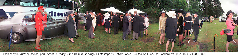 Lunch party in Number One car-park. Ascot Thursday  June 1998  © Copyright Photograph by Dafydd Jones  66 Stockwell Park Rd. London SW9 0DA  Tel 0171 733 0108