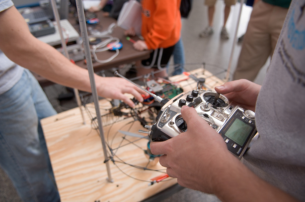 18208Student Reasearch & Creativity Activity Fair Spring 2007...The UFO Project Electrical Enginering