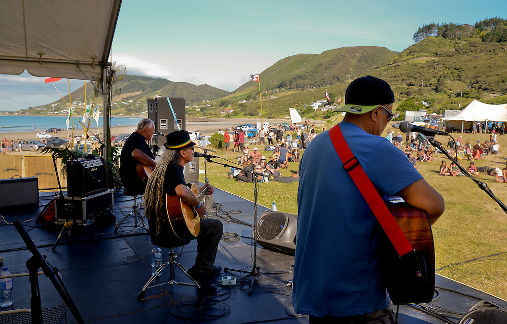 Members from the band Herbs playing in a concert at Shipwreck Bay, Ahipara, protesting at Norwegian firm Statoil's deep sea seismic testing off Northland's west coast, Northland, New Zealand, December 06, 2014. Credit:SNPA / Malcolm Pullman