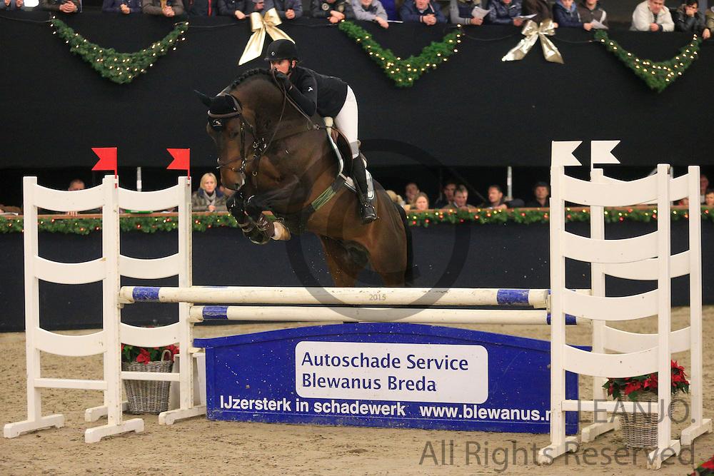 Mischa Everse van de Kraats - Cheese<br /> KNHS/KWPN GMB Hengstencompetitie Roosendaal 2012<br /> © DigiShots