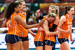 15-10-2018 JPN: World Championship Volleyball Women day 16, Nagoya<br /> Netherlands - USA 3-2 / Celeste Plak #4 of Netherlands, Nicole Koolhaas #22 of Netherlands, Maret Balkestein-Grothues #6 of Netherlands, Laura Dijkema #14 of Netherlands, Lonneke Sloetjes #10 of Netherlands