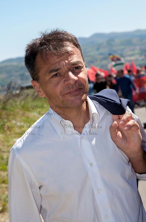 Stefano Fassina, ex viceministro dell'Economia per il Governo Letta, a Portella della Ginestra nel 70° anniversario della strage.
