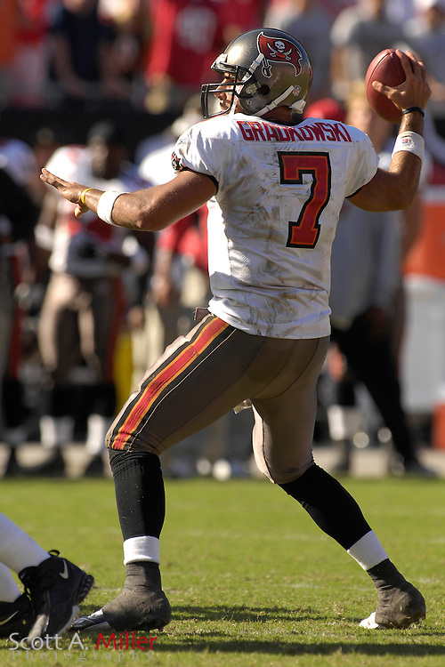 Oct. 15, 2006; Tampa, FL, USA;  Tampa Bay Buccaneers quarterback (7) Bruce Gradkowski in action during the second half of the Bucs 14-13 win over the Cincinnati Bengals at Raymond James Stadium. ...©2006 Scott A. Miller