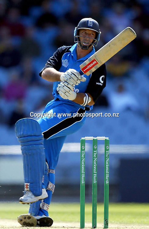 England captain Nasser Hussain plays a hook shot during his innings of 50 during the cricket international ODI match between New Zealand and England, 26 February, 2002, Carisbrook Stadium, Dunedin, New Zealand. New Zealand won by 5 wickets to secure victory and win the series 3-2. Photo: Andrew Cornaga/PHOTOSPORT<br /><br /><br /><br />045087