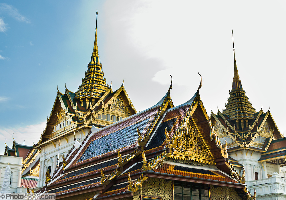 In Bangkok, Thailand, the Grand Palace (Phra Borom Maha Ratcha Wang) was built on the east bank of the Chao Phraya River starting in 1782, during the reign of Rama I. It served as the official residence of the king of Thailand from the 1700s to mid 1900s.