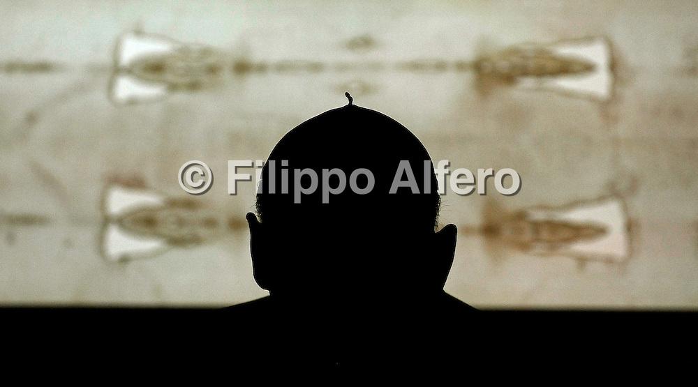 &copy; Filippo Alfero<br /> Solenne ostensione della Sindone<br /> Torino, 10/04/2010<br /> cronaca<br /> Nella foto: il Cardinale Severino Poletto
