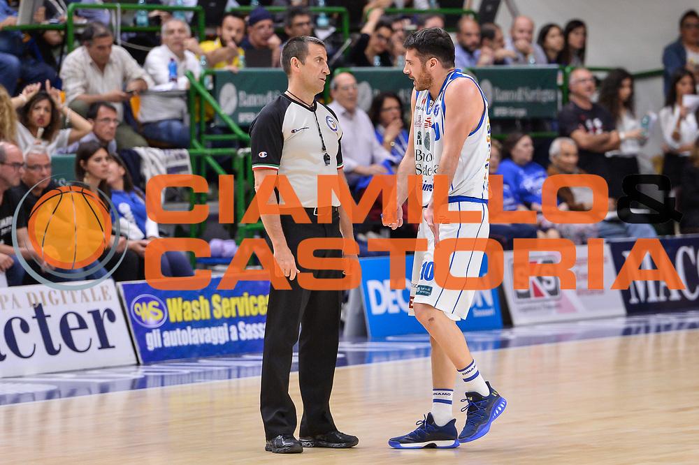 Lorenzo D'Ercole, Roberto Begnis<br /> Banco di Sardegna Dinamo Sassari - Dolomiti Energia Aquila Basket Trento<br /> Legabasket Serie A LBA Poste Mobile 2016/2017<br /> Playoff Quarti Gara3<br /> Sassari 16/05/2017<br /> Foto Ciamillo-Castoria