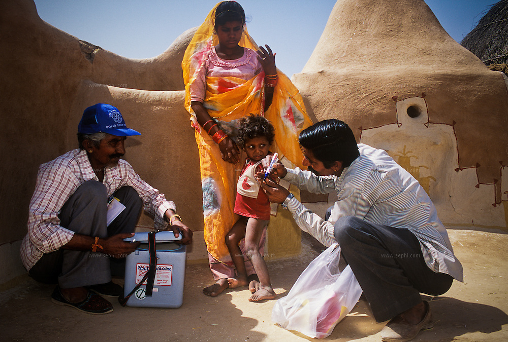 Finger marking is a method enabling the vaccinators to know if the child has received the vaccine or not. The vaccinators had to travel more than three hours on the back of a camel to reach this remote hamlet in the Thar Desert in western Rajasthan.