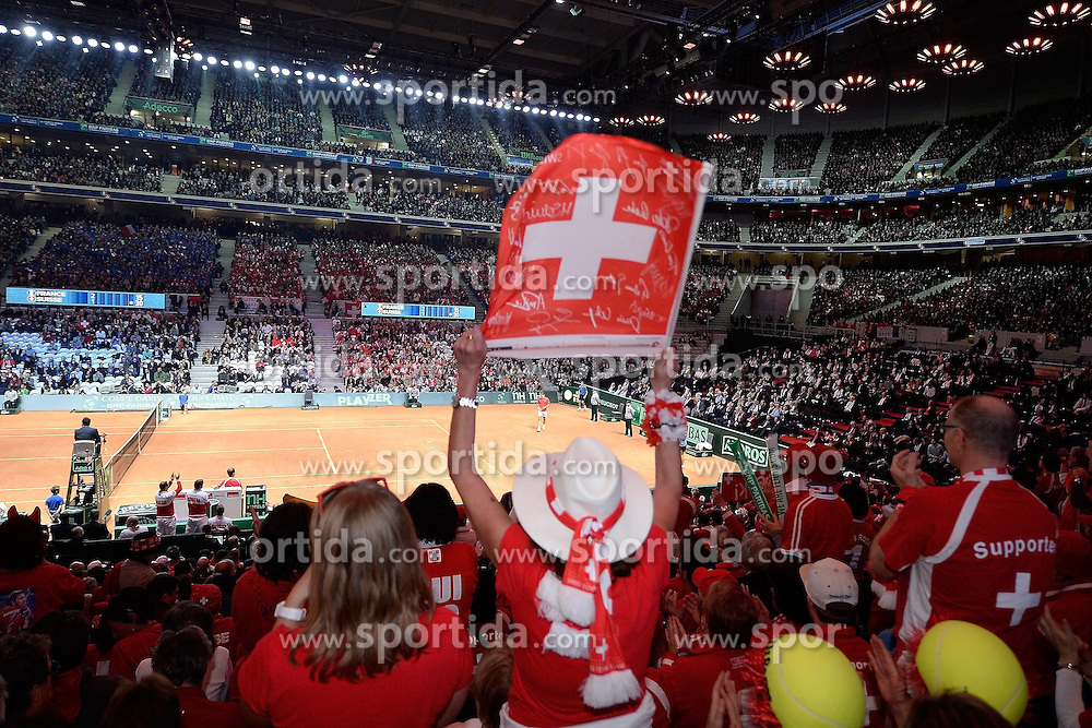 21.11.2014, Stade Pierre Mauroy, Lille, FRA, Davis Cup Finale, Frankreich vs Schweiz, im Bild Schweizer Fans im Stade Pierre Mauroy // during the Davis Cup Final between France and Switzerland at the Stade Pierre Mauroy in Lille, France on 2014/11/21. EXPA Pictures &copy; 2014, PhotoCredit: EXPA/ Freshfocus/ Daniela Frutiger<br /> <br /> *****ATTENTION - for AUT, SLO, CRO, SRB, BIH, MAZ only*****