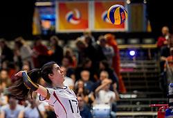 04-04-2017 NED:  CEV U18 Europees Kampioenschap vrouwen dag 3, Arnhem<br /> Duitsland - Nederland 3-1 / Nederland verliest kansloos van Duitsland met 3-1 - Juliane Noack #17