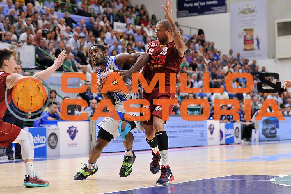 DESCRIZIONE : Campionato 2014/15 Dinamo Banco di Sardegna Sassari - Umana Reyer Venezia<br /> GIOCATORE : Jerome Dyson<br /> CATEGORIA : Palleggio Penetrazione<br /> SQUADRA : Dinamo Banco di Sardegna Sassari<br /> EVENTO : LegaBasket Serie A Beko 2014/2015<br /> GARA : Dinamo Banco di Sardegna Sassari - Umana Reyer Venezia<br /> DATA : 03/05/2015<br /> SPORT : Pallacanestro <br /> AUTORE : Agenzia Ciamillo-Castoria/C.Atzori
