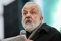 """© Licensed to London News Pictures. 26/02/2017. London, UK. Mike Leigh, film director, ahead of the special premiere free screening of the Oscar-nominated, Best Foreign Language Film, """"The Salesman"""", in Trafalgar Square, hosted by Mayor of London, Sadiq Khan.  The film's Iranian director, Asghar Farhadi, decided to boycott tonight's main Oscars ceremony in Hollywood, in solidarity with those affected by President Donald Trump's travel ban on people from seven Muslim majority countries (including Iran) from entering the USA.   Photo credit : Stephen Chung/LNP"""