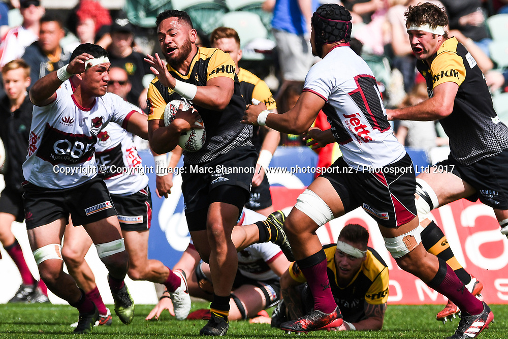 Taranaki Donald Maka charges through the defence during a match against North Harbour.<br /> North Harbour v Taranaki, Mitre 10 Cup Rugby, QBE Stadium, Auckland, New Zealand. 15 October 2017. &copy; Copyright Image: Marc Shannon / www.photosport.nz.