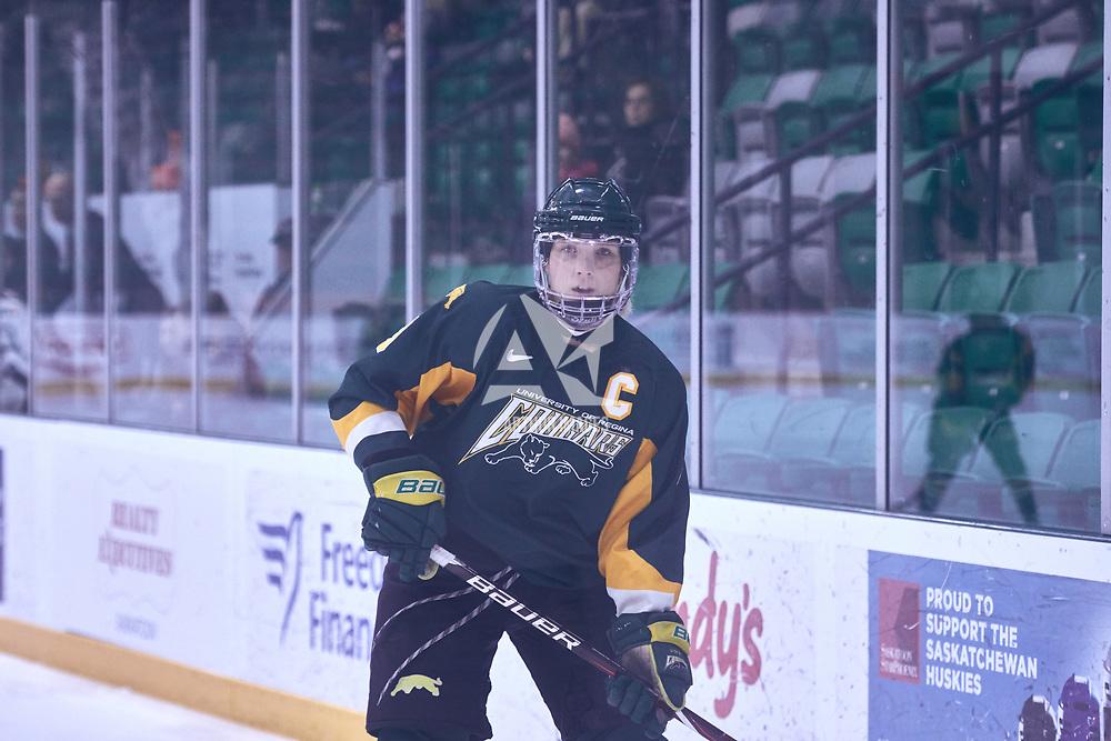 5th year forward, Emma Waldenberger (9) of the Regina Cougars during the Women's Hockey Away Game on Fri Jan 11 at University of Saskatoon. Credit: Arthur Ward/Arthur Images