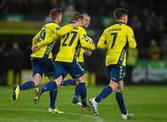 Simon Hedlund (Brøndby IF) har travlt med at hente bolden efter udligningen til 1-1 under kampen i 3F Superligaen mellem Brøndby IF og Hobro IK den 15. december 2019 på Brøndby Stadion (Foto: Claus Birch).