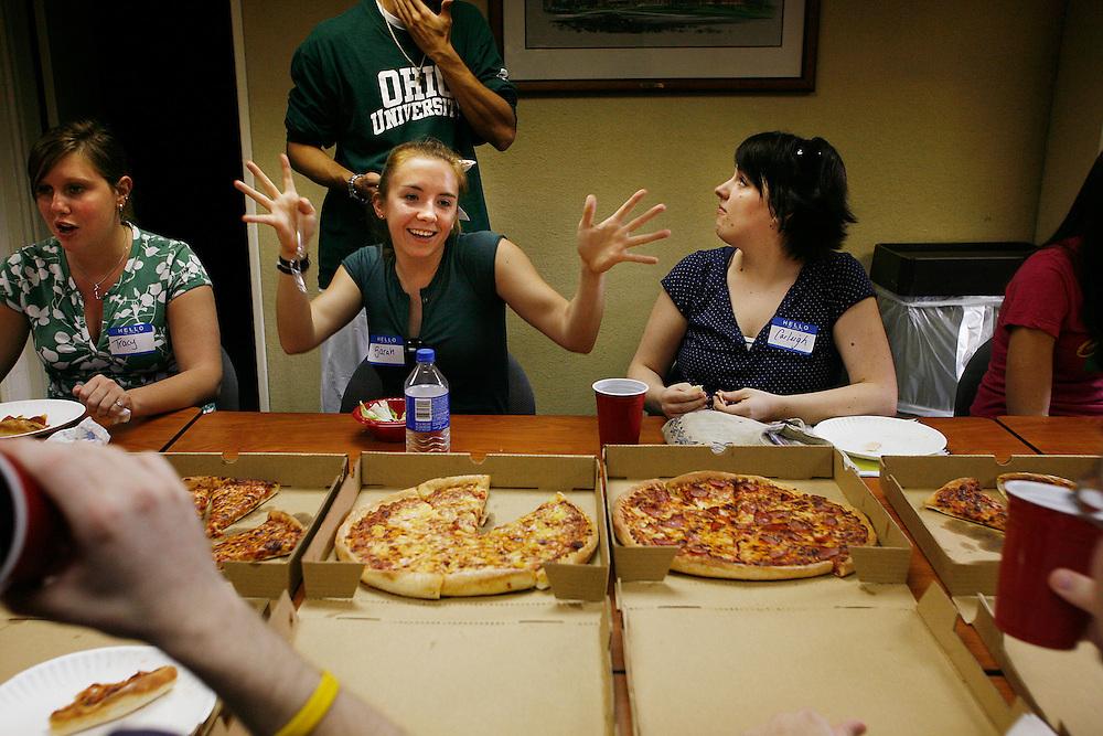 18186Pizza Party for Teach for America : Photos by Eric Kayne