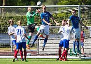 FODBOLD: Marco Holst (Jægersborg) header bolden forbi Jonathan Aronsø (Herlev) under kampen i Danmarksserien mellem Herlev Fodbold og Jægersborg Boldklub den 17. juni 2017 i Herlev Park. Foto: Claus Birch