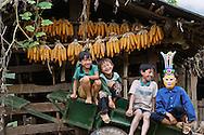 Vietnam Images-People-children-Yen Bai-Mu can Chai. hoàng thế nhiệm