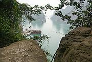 Vietnam, Halong Bay, Bo Hon Island