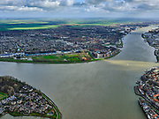 Nederland, Zuid-Holland, Dordrecht, 25-02-2020; samenstroming van de rivieren Oude Maas, de Noord en Beneden Merwede. Zicht op Papendrecht.<br /> Confluence of the rivers Oude Maas, Noord and Beneden Merwede.<br /> luchtfoto (toeslag op standard tarieven);<br /> aerial photo (additional fee required)<br /> copyright © 2020 foto/photo Siebe Swart