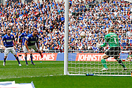 Ian Evatt of Chesterfield fails to score with a headed attempt at goal during the Johnstone's Paint Trophy Final match at Wembley Stadium, London<br /> Picture by David Horn/Focus Images Ltd +44 7545 970036<br /> 30/03/2014