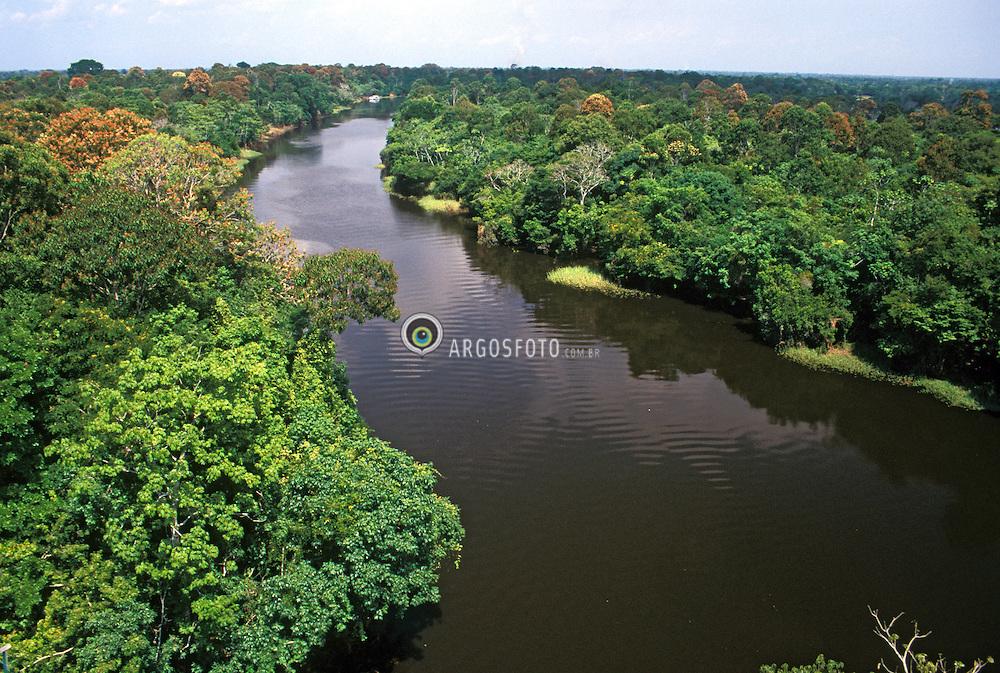 Amazonia,AM,Brasil.Ano 1997..Rio Ariau, vista aerea. A Amazonia e uma regiao na America do Sul, definida pela bacia do rio Amazonas e coberta em grande parte por floresta tropical. E a maior floresta tropical pluvial do mundo. E chamado tambem de Amazonia o bioma que, no Brasil, ocupa 49,29% do territorio, sendo o maior bioma terrestre desse pais, onde e constituida por varios ecossistemas./ Amazonia is a moist broadleaf forest in the Amazon Basin of South America. The Amazon Rainforest represents over half of the planet's remaining rainforests. Amazonian rainforests comprise the largest and most species rich tract of tropical rainforest that exists..Foto © Rubens Chaves/Argosfoto