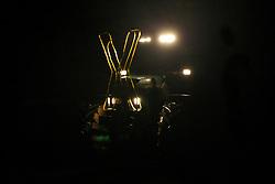 """Traditionell läutet die so genannte """"Landmaschinenschau"""" des Widerstandsnests Metzingen die Proteste gegen die Atommülltransporte ins Wendland ein. Rund 300 Castorgegner protestierten am Abend vor der Abfahrt des Zuges und blockierten rund eine Stunde die B 216 zwischen Lüneburg und Dannenberg. <br /> <br /> Ort: Metzingen<br /> Copyright: Andreas Conradt<br /> Quelle: PubliXviewinG"""