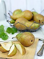 Motiv:Dessert Päron<br /> Recept: Katarina Carlgren<br /> Fotograf: Thomas Carlgren<br /> Användningsrätt: Publ en gång i Hembakat<br /> Annan publicering kontakta fotografen