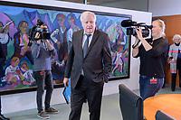06 NOV 2019, BERLIN/GERMANY:<br /> Horst Seehofer, CSU, Bundesinnenminister, auf dem Weg zu seinem Platz, vor Beginn der Kabinettsitzung, Bundeskanzleramt<br /> IMAGE: 20191106-01-008<br /> KEYWORDS: Kabinett, Sitzung