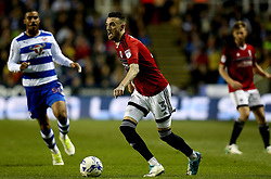 Scott Malone of Fulham runs with the ball - Mandatory by-line: Robbie Stephenson/JMP - 16/05/2017 - FOOTBALL - Madejski Stadium - Reading, England - Reading v Fulham - Sky Bet Championship Play-off Semi-Final 2nd Leg